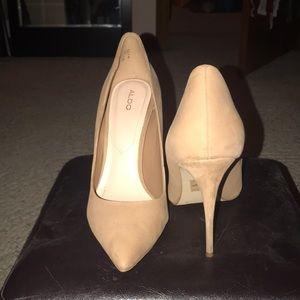Nude Aldo heels size 8.5
